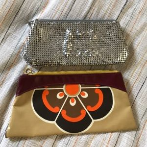 Pair of 70s zipper clutches silver mesh vinyl